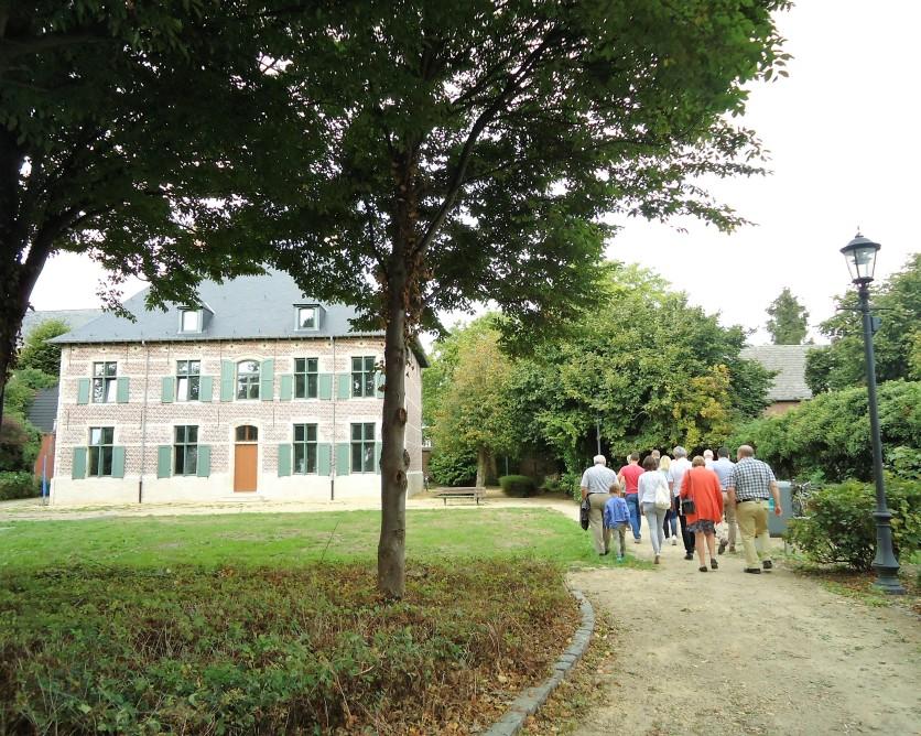 Grote pastorie 18de eeuw en pastorietuin - Kampenhout (B)